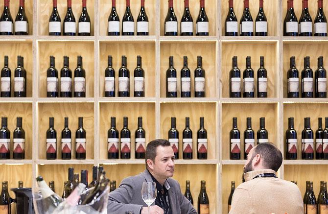 estantería vinos Intervin