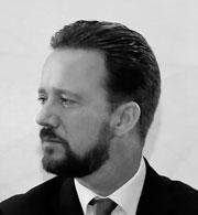 Luis Banck Serrato