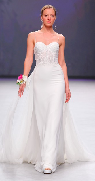 8dd8a72d030e Valmont Barcelona Bridal Fashion Week